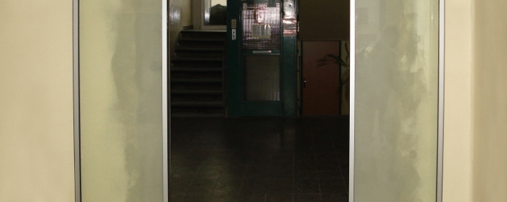Lineárně posuvné automatické dveře